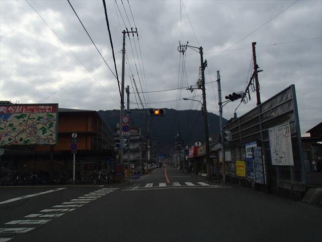 Kubokawaekimae_r