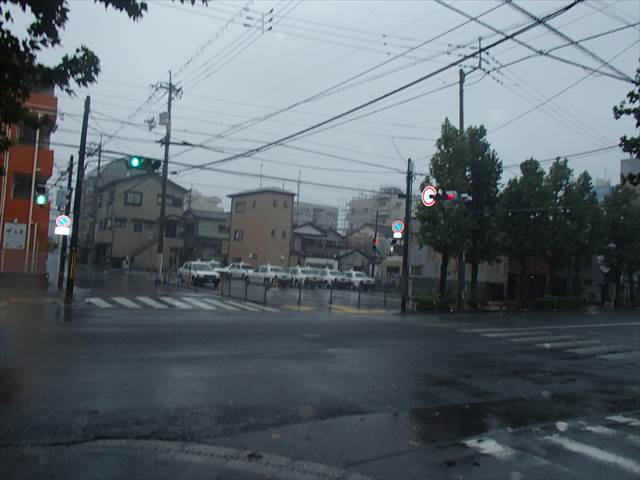 Taifuu10132zi_2_r