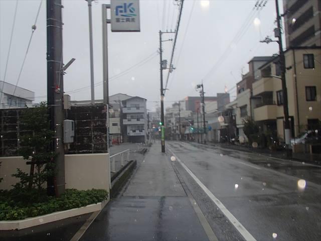Taifuu10132zi_r